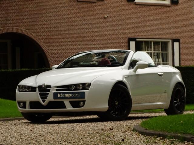Alfa Romeo Spider 2.2 JTS Exclusive Turbina Black White !!
