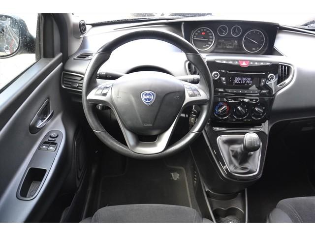Lancia Ypsilon 0.9 TwinAir Aut. Platinum Airco NAP Cruise LM Velgen