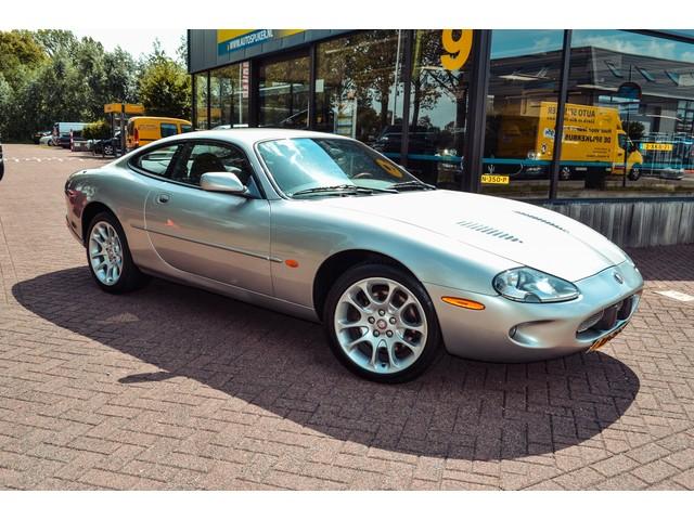 Jaguar XKR 4.0 V8 Coupe AUTOMAAT  LEDER  ECC  AIRCO  EL.RAMEN  LMV   CV  NL-AUTO MET BOEKJES!