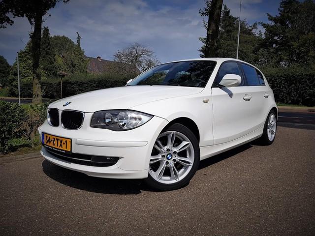 BMW 1 Serie 116i Business Line 5 Drs Navi Clima ParkeerSensor Nap Boekjes Dealerauto
