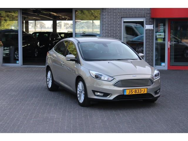 Ford Focus 1.0 Titanium Navi Xenon Incl Garantie en Afleveringskosten!