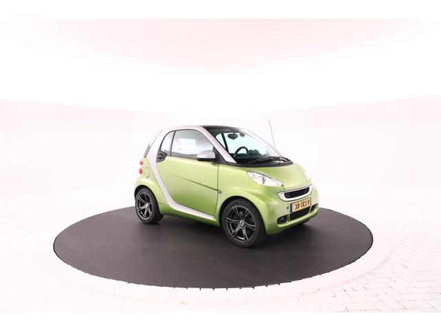 Smart Fortwo coupe 1.0 Brabus Panoramadak, xenon verlichting, UNIEKE UITVOERING