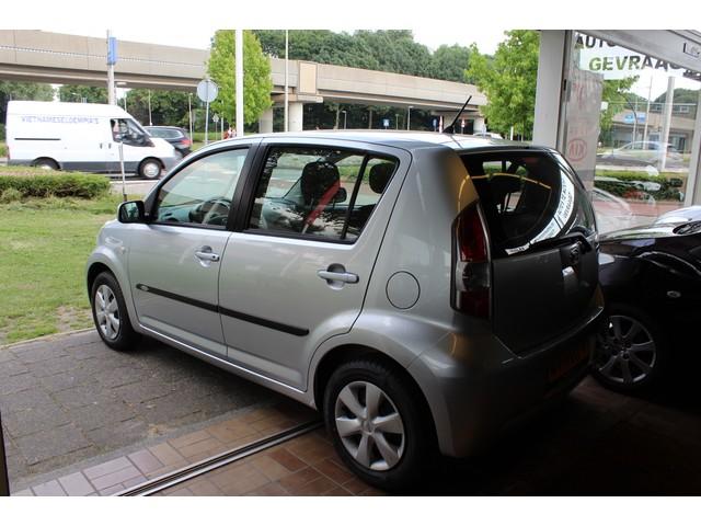 Daihatsu Sirion 2 1.3 !!!!!-16V 5DEURS AIRCO  ELEKTRISCHE PAKKET DEALER ONDERHOUDEN