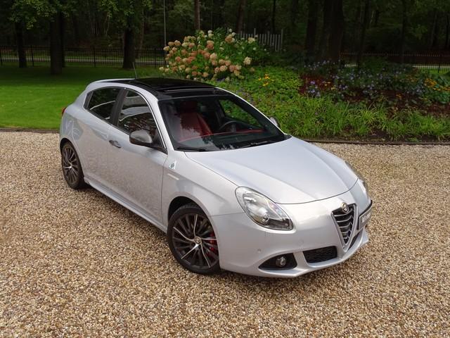 Alfa Romeo Giulietta 1.7 TBi QV 1750 Schuifdak Xenon Leer Nav PDC Unieke Kleurcombi!!