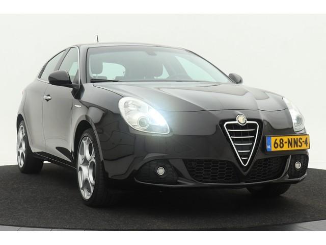 Alfa Romeo Giulietta 1.4 T Distinctive 170PK | Dealer onderhouden | Climate control | Cruise control | Lichtmetalen velgen