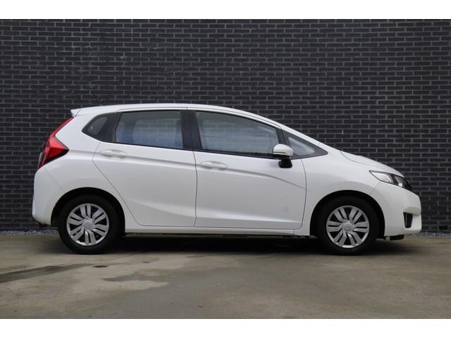Honda Jazz 1.3 i-VTEC 102PK Trend | Navigatie | Hoge zit | 100% dealer onderhouden | Nieuwe APK |