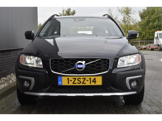 Volvo XC70 2.4 D5 Summum Automaat leder, schuif kanteldak , elek achterklep,