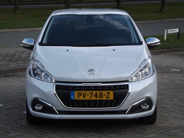 Peugeot 208 1.2 110pk PureTech Allure 5-drs Climate control   Navigatie   Privacy glas   16