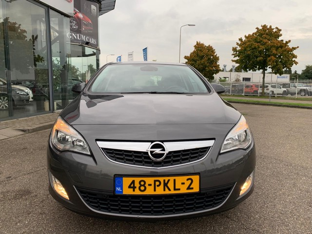 Opel Astra 1.4 Edition 5Drs Nap Navi Parkeers. Kooplease €99,-