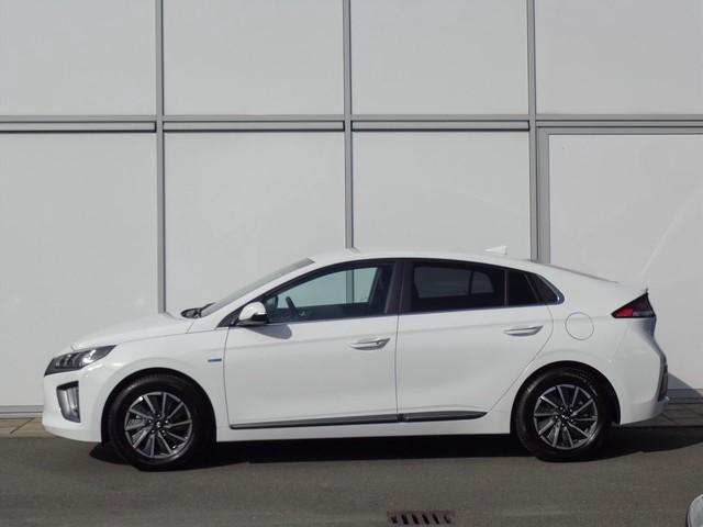 Hyundai IONIQ EV 136 PK AUTOMAAT PREMIUM   ECC   NAV   BLUE LINK   CAMERA   4%