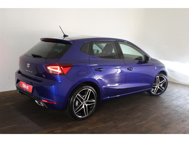 Seat Ibiza 1.0 TSI FR Business Intense 95 pk | Panorama dak | Beats audio | 18'' Lm velgen | Navigatiesysteem | Full led