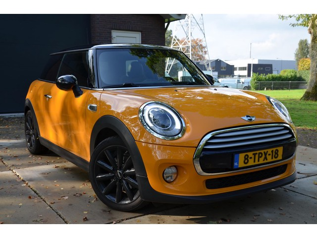 MINI Mini 1.5 Cooper Chili Automaat Navi Ecc Leder Cr-Controle 17-Inch Lmv Panorama-Dak Privacy-Glass