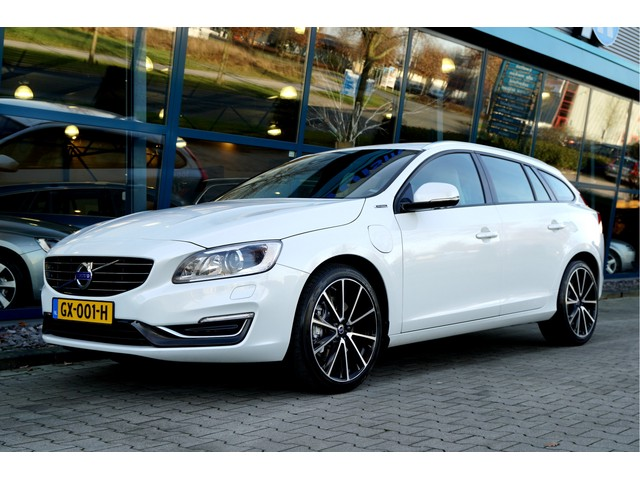 Volvo V60 €15430 ex.BTW 7% Bijtelling tm 09-2020 2.4 D5 Twin Engine Aut6 PIHV Special Edition CLIMA + CRUISE + ADAPT.BI-XENON + NAVI SENSU
