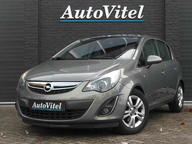 Opel Corsa 1.3 CDTi EcoFlex Cosmo+ Navigatie, Stuurverwarming, Stoelverwarming, Adaptieve koplampen - 2012