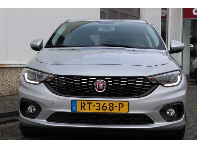 Fiat Tipo Hatchback 1.6 110PK AUTOMAAT BUSINESS LUSSO |NAVI |CLIMA |CRUISE |LEDER