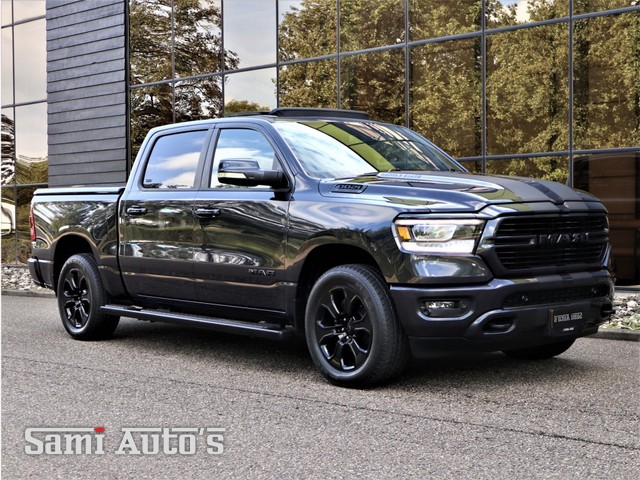 Dodge Ram 1500 5.7 V8 | ALL IN PRIJS | PANO DAK | LPG | LEDER | CRUISE | DUBBELECABINE | CREWCAB | BLACK OPS | 20INCH | CAMERA | APPLE CAR