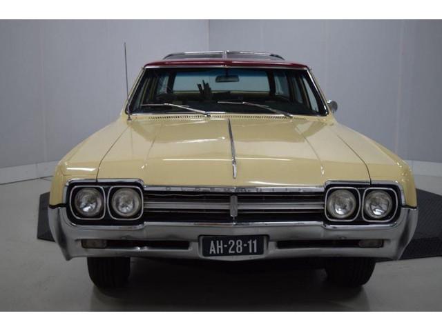 Oldsmobile Vista Cruiser Vista Cruiser Belastingvrij LPG uit 1966!!!