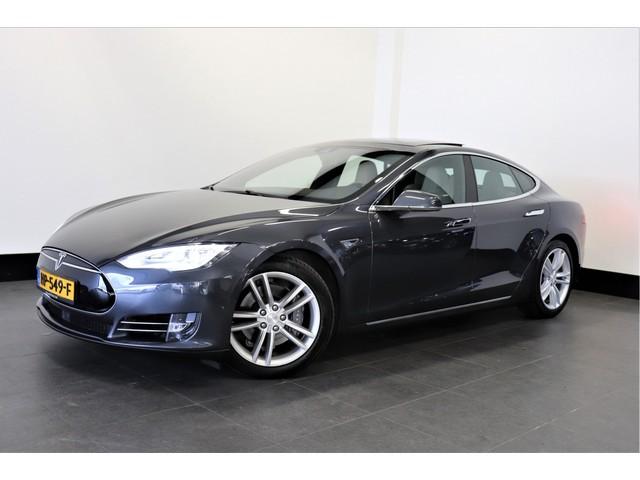 Tesla Model S 70D 335 PK   AUTOPILOT   PANO-DAK   NEXT GEN.   4%   € 36.950,- Ex.