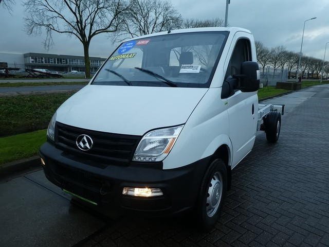 Maxus EV80 electric chassis cab