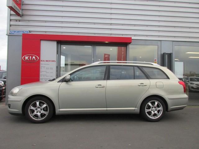 Toyota Avensis Wagon 2.0 VVTi Luna Business
