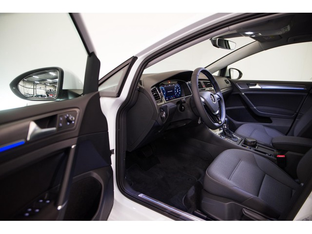 Volkswagen e-Golf e-Golf Prijs Excl BTW | Warmtepomp 35.8 kWh | Active info display | diverse opties