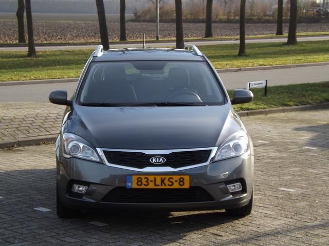 Kia cee'd Sporty Wagon 1.4 CVVT Seven Business Navigatie   Airco   Trekhaak   Lage kilometerstand