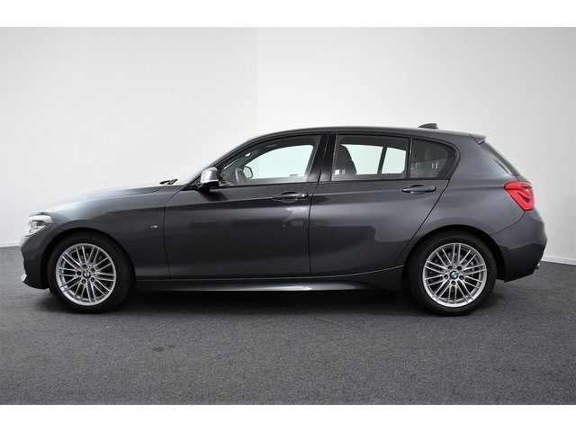 BMW 1 Serie 120i Edition M Sport Led Leder sport interieur.