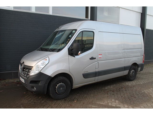 Renault Master T35 2.3 DCI L2H2 - Airco - Cruise - Navi - € 10.950,- Ex.