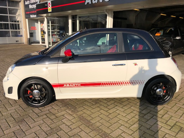 Abarth 500 C 1.4 T-Jet Abarth Elaborabile Climate ctr   Pdc   Leder   Navigatie   Automaat   Cabrio   Flippers   Multi.fsw   Full option's! M