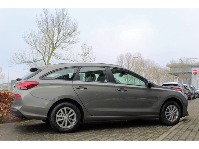 Hyundai i30 Wagon 1.0 T-GDi 120PK COMFORT van € 29.735 voor € 27.750 | Navigatie | Cruise | Climate Control
