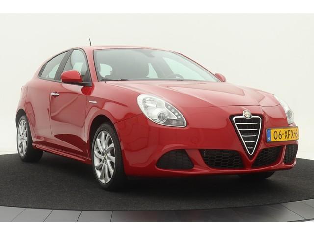 Alfa Romeo Giulietta 1.4 Turbo Progression | 170PK | 2e eigenaar | Alfa Rosso | Climate control | Cruise control
