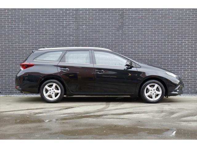 Toyota Auris Touring Sports 1.8 Hybrid Lease DAB+   Parkeercamera   Parkeersensoren V-A   Navigatie   Xenon