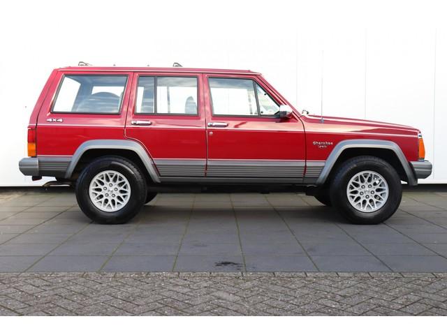 Jeep Cherokee 4.0i Liter Base 4X4 | 6 Cilnder | LAREDO | AUTOMAAT | ELEK. RAMEN |
