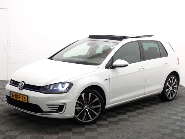 Volkswagen Golf 1.4 TSI GTE Highline DSG7 Panodak, Leer, Navi, Xenon, Camera, Full!