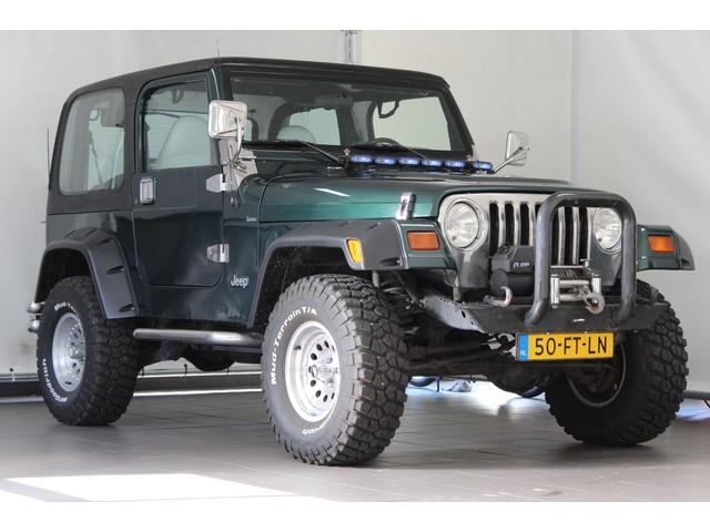 Jeep Wrangler 4.0 I Hardtop   Youngtimer   Verhoogd