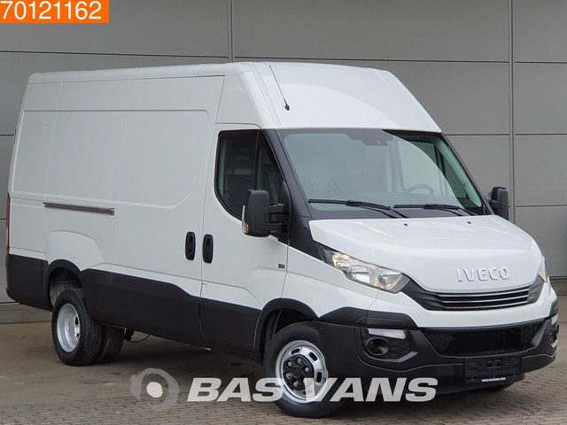 Iveco Daily 35C14 Automaat Dubbellucht Airco Cruise 3.5T Trekhaak L2H2 11m3 Airco Trekhaak Cruise
