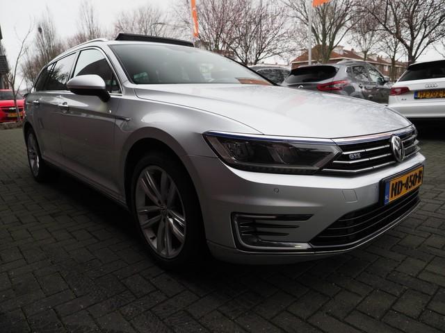 Volkswagen Passat Variant 1.4 TSI GTE 7% LED Panorama Navi Camera EX BTW