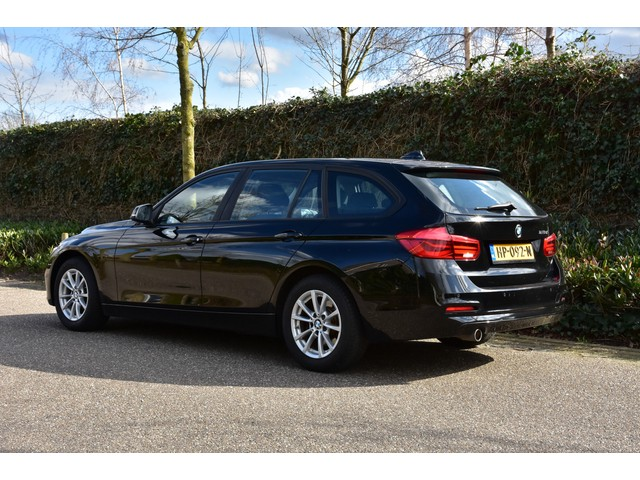 BMW 3 Serie Touring 2.0d Corporate Lease Essential