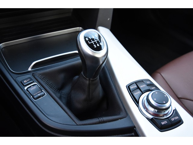 BMW 3 Serie 318i Centennial Executive   SPORTSTUUR   LEDER