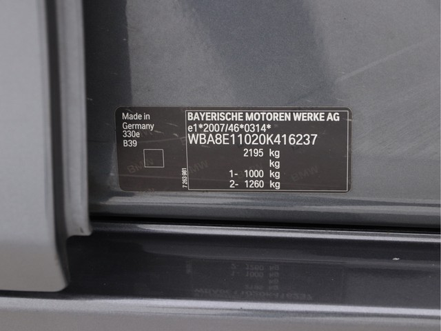 BMW 3 Serie 330e Centennial High Executive Sportline Aut (INCL-BTW) *DAKOTA-VOLLEDER+NAVI-PROF+LED+PDC+ECC+CRUISE*