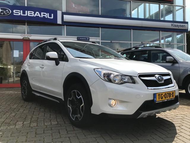 Subaru XV 2.0i Premium AWD AUT.   navigatie   opendak   leder   camera   trekhaak   30.000 KM   dealer onderhouden