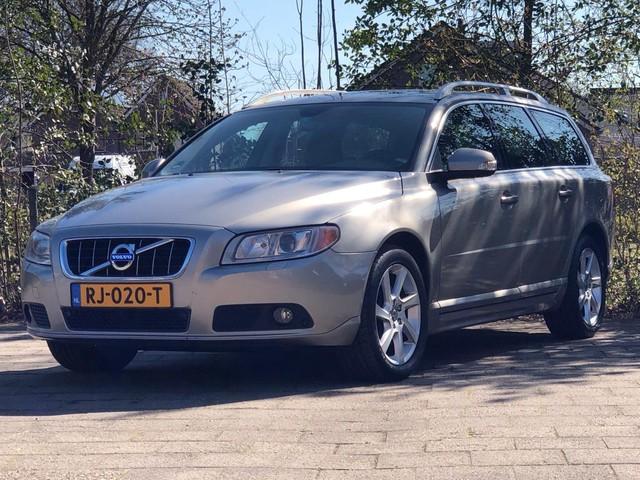 Volvo V70 2.4 D5 Summum|Climat|Cruise|Leder|NAVI|