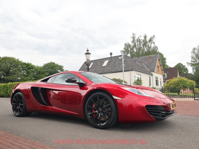 McLaren MP4-12C 3.8 VOLCANO-RED   CARBON