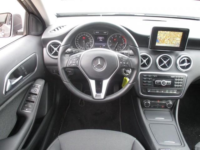 Mercedes-Benz A-Klasse 180 Aut. Ambition Style (LMV NAV PDC BlueTooth)