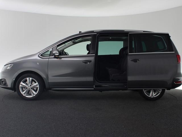 Seat Alhambra 1.4 150pk TSI Xcellence Business Intense | Panoramadak | Camera | Navigatie | Trekhaak | Adaptieve cruise control | Xenon | Voor