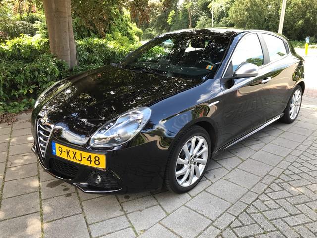 Alfa Romeo Giulietta 1.4 T 170pk Business Executive Automaat Navig., Climate, Cruise, Zwarte Hemelbekleding, 17''