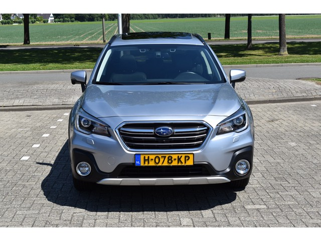 Subaru Outback 2.5i Premium CVT AWD EyeSight   Apple CarPlay   Navigatie   Leder   Body pack