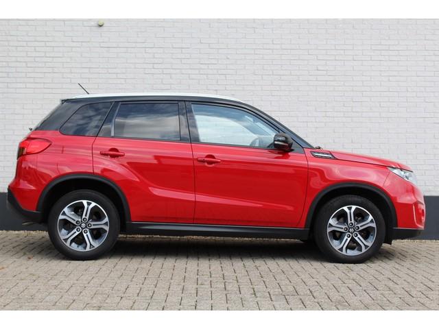 Suzuki Vitara 1.6 High Executive | panorama dak |  rood | adaptieve cruise control | navigatiesysteem