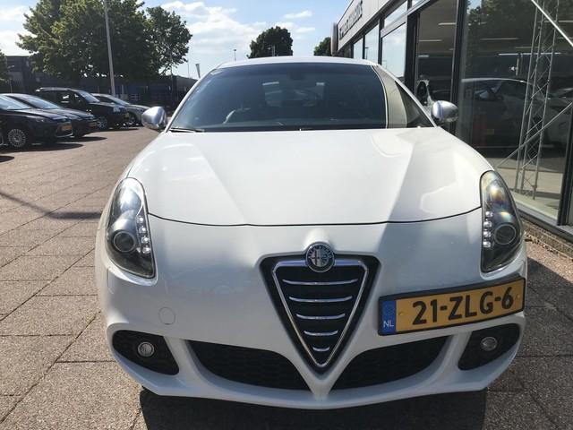 Alfa Romeo Giulietta 1.6 JTDm Business Executive 105PK Half Leder Navi Xenon 18''