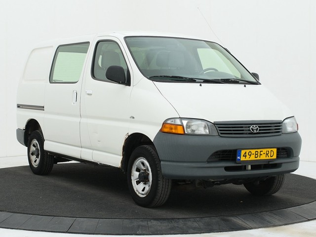 Toyota HiAce 2.5 D4-D 100 4WD 4x4